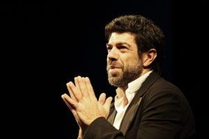 """Pierfrancesco Favino dialoga con il pubblico in """"La notte poco prima delle foreste"""""""