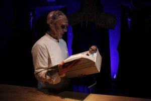 """Il tormento di """"Menelao"""" al Teatro Arena del Sole"""