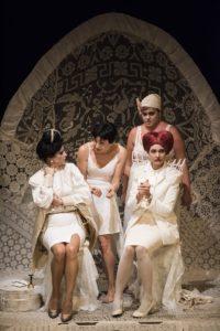 """""""Le allegre comari di Windsor"""" calca il palcoscenico del Teatro Carcano"""
