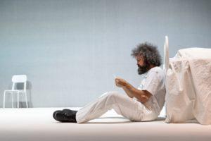 """Simone Cristicchi illustra il suo """"Manuale di Volo per Uomo"""""""