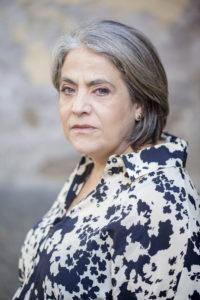 "Nunzia Schiano interpreta ""White Rabbit Red Rabbit"" di Nassim Soleimanpour"