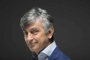"""Vincenzo Salemme porta """"Con tutto il cuore"""" al Verdi di Salerno"""