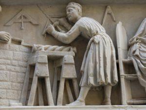 """""""A fascinating story"""" indaga l'utilizzo del trapano in scultura dall'Egitto al Novecento"""