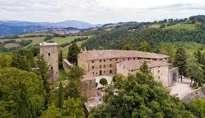 Agosto d'incanto nel suggestivo Castello di Petroia