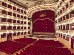 """Ferragosto culturale grazie alle visite guidate """"Il San Carlo Dentro e Fuori"""""""