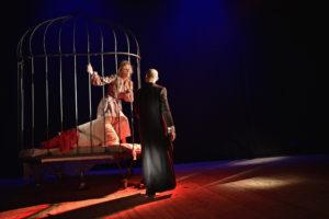 Al Teatro Gerolamo la straordinaria vita di Elsa Schiapparelli