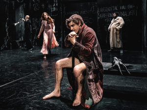 """L'opera di Bulgakov, """"Il Maestro e Margherita"""", debutta a Milano"""