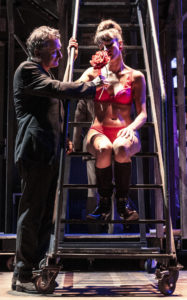 """""""Rumori fuori scena"""" porta la commedia inglese al Piccolo Teatro Strehler"""