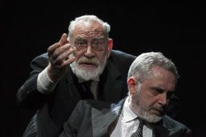 """Due anziani ripercorrono la propria vita ne """"Le braci"""" al Teatro Nuovo di Napoli"""