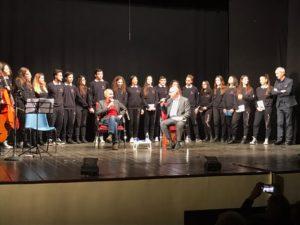 """""""La Vita che si ama"""", lectio magistralis di Roberto Vecchioni sulla felicità"""