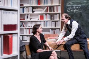"""Al Teatro Niccolini sapere scientifico e umanistico si intrecciano ne """"L'infinito tra parentesi"""""""