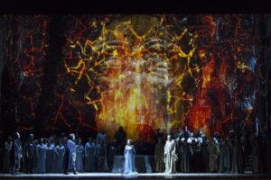 """""""Norma"""" torna al Teatro San Carlo ornata di gemme e camei"""