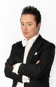 """Il tenore Matteo Macchioni in diretta streaming con il suo """"Christmas Recital"""""""