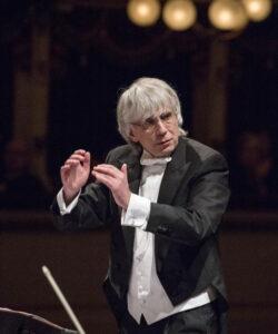 """""""Così fan tutte"""", Giovanni Antonini dirige il capolavoro di Mozart"""