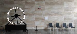 """""""Invettiva/Inopportuna"""" di Febo Del Zozzo approda al Teatro Arena del Sole"""